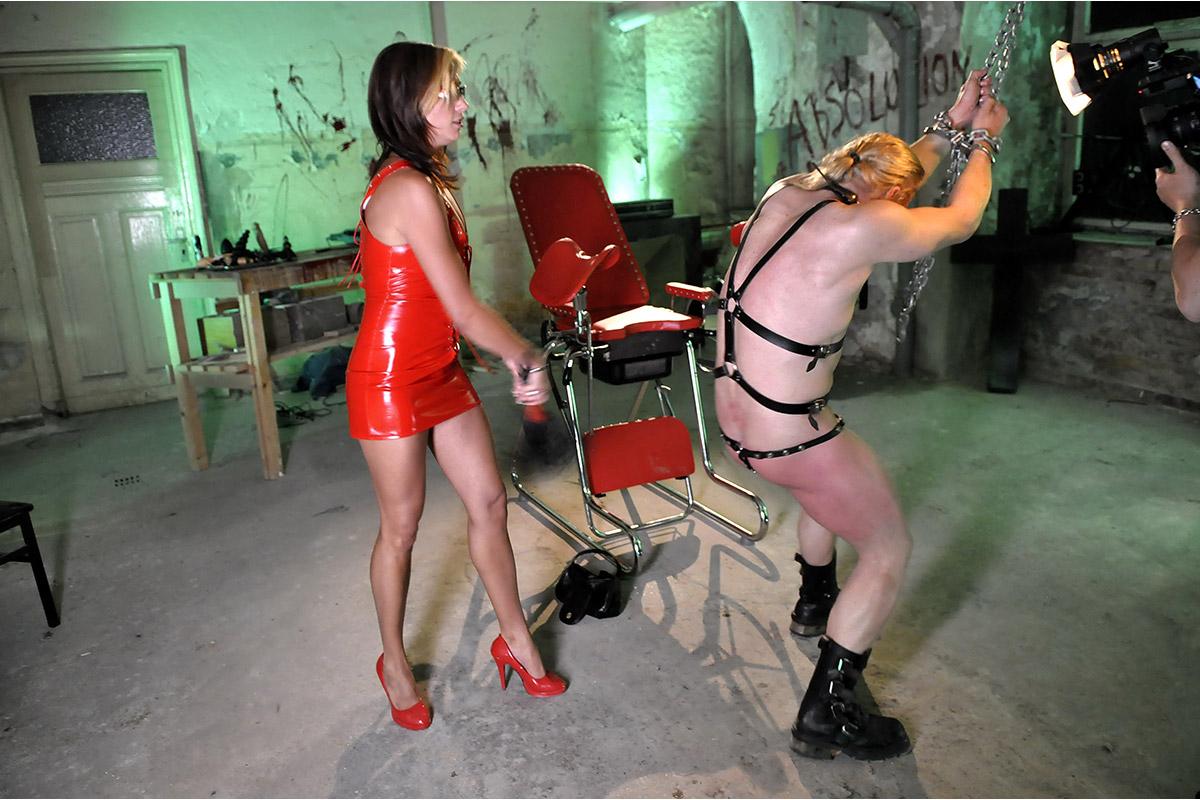 Femdom Fetisch Sexcam Shows mit Omina Fetischspiele